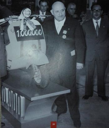 Corradino d'Ascanio - Un milione di Vesoa 1956 - Vespa Club Torino